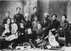 Matthew O Gibson (centre back row) with his parents and siblings c1880 by permission of Alan Gibson